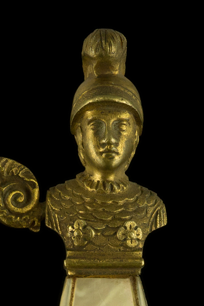 02100_S000066_French_Helmet_Smallsword_Hilt_Obverse_