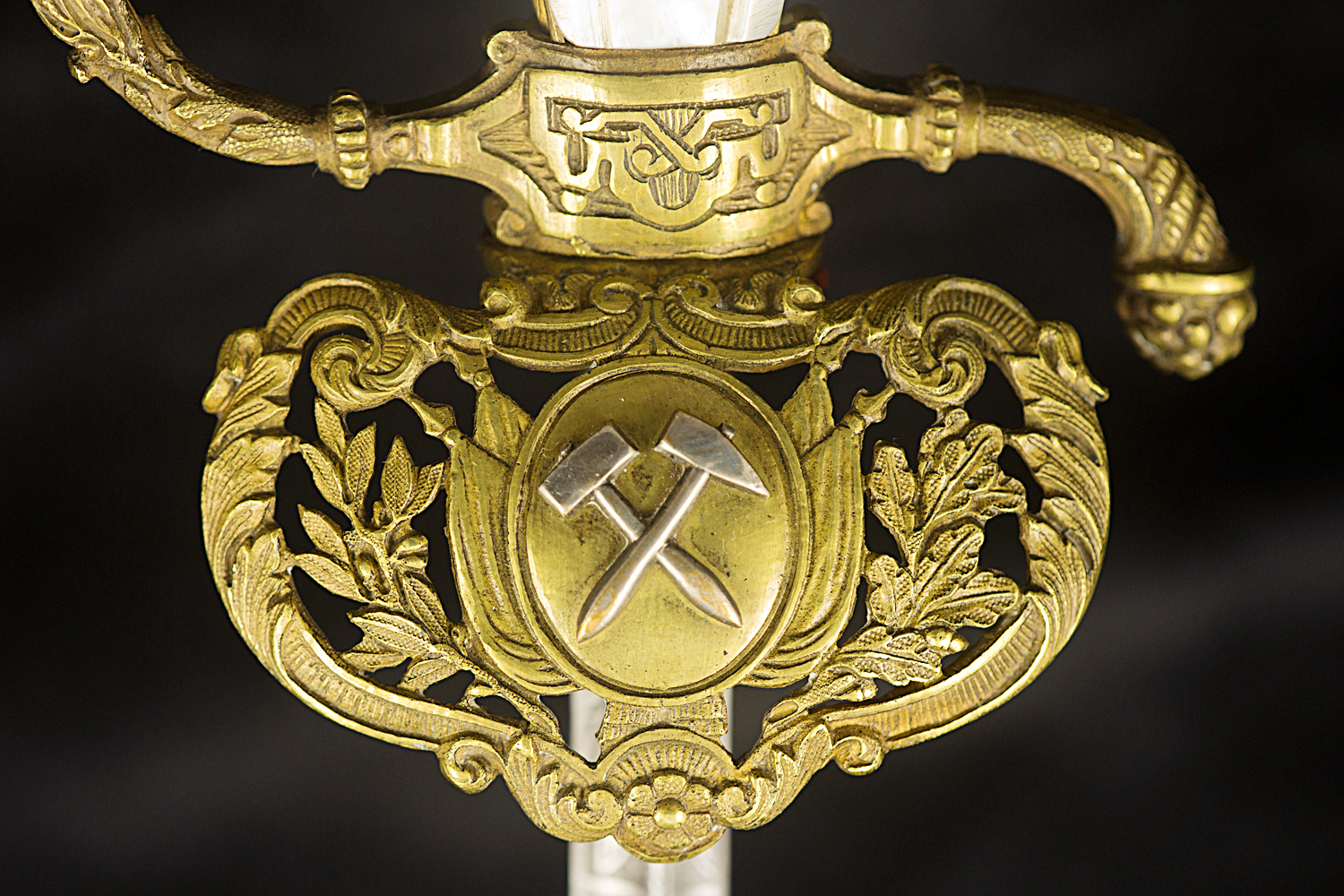 S000040_French_St-Etienne_Smallsword_Detail_Shell_Obverse