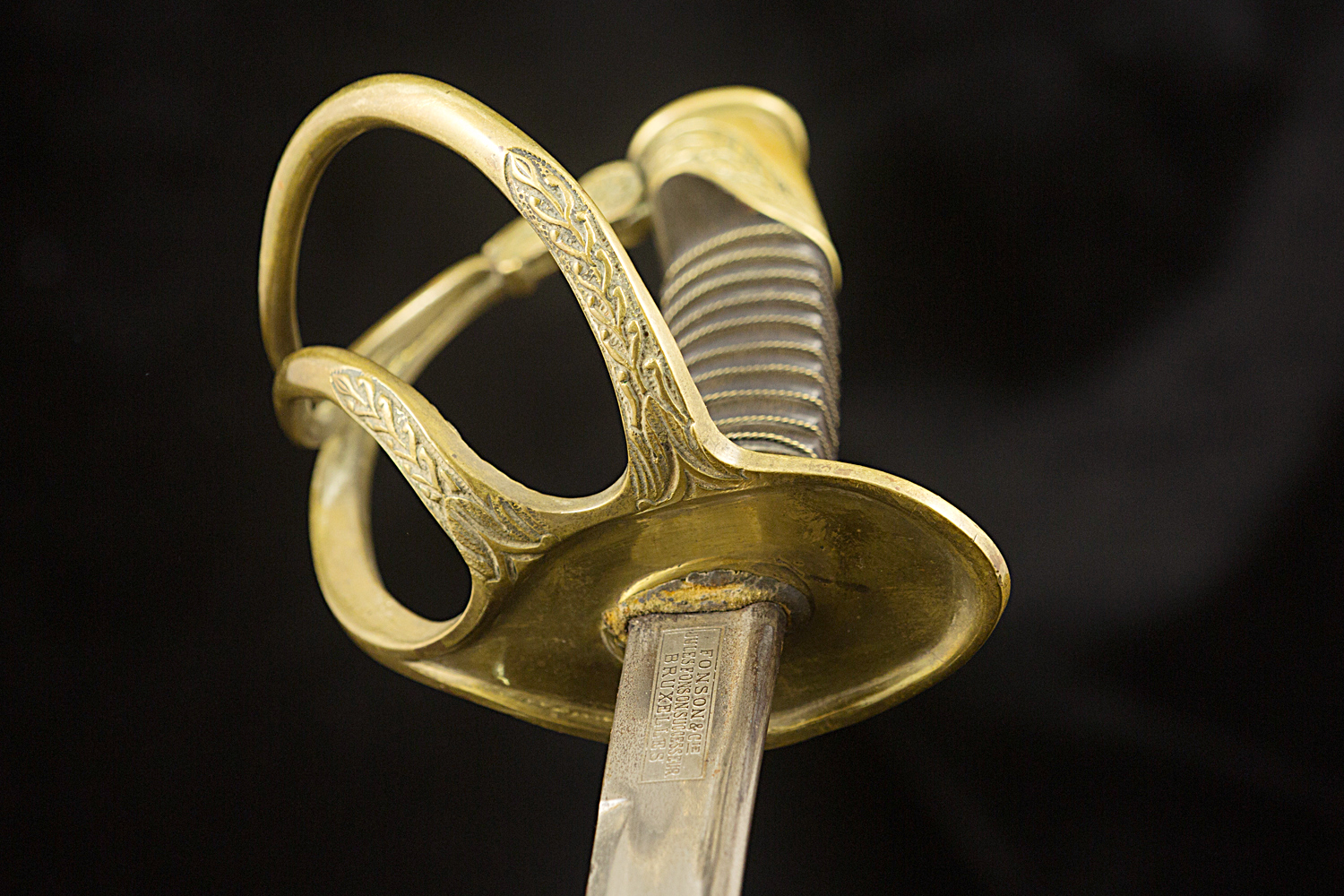 S000049_Belgian_Sword_Detail_Hilt_Bottom