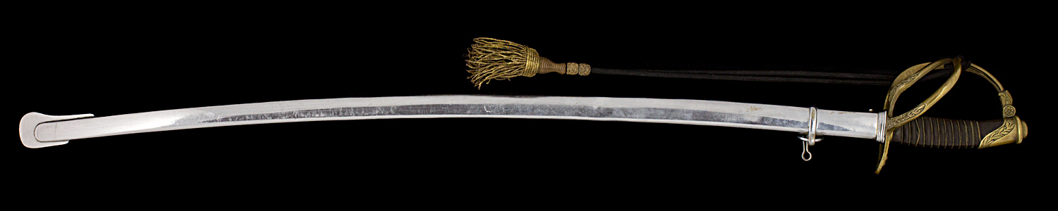 S000049_Belgian_Sword_Full_Obverse_With_Scabbard