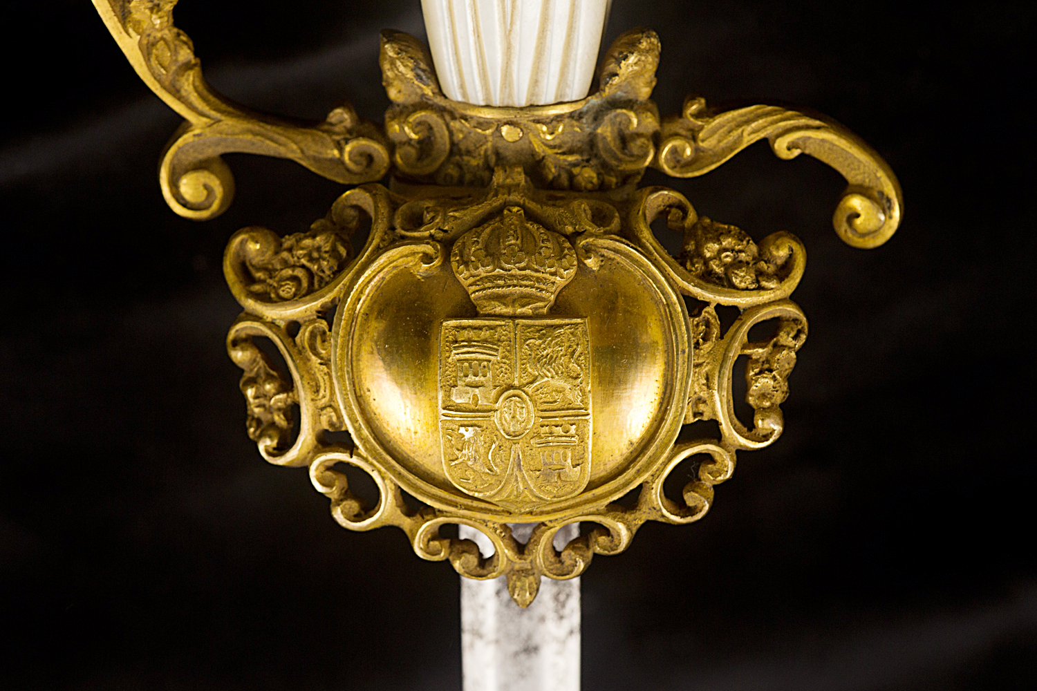 S000050_Spanish_Smallsword_Detail_Shell_Obverse